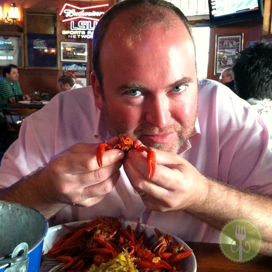 Eating Crawfish at Sammy's Grill | Baton Rouge | ContraryCook.com