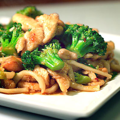 Stir-Fry Chicken Broccoli with Noodles & Cashew | ContraryCook.com