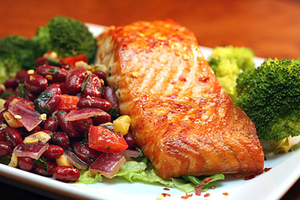 Salmon with Kidney Bean Salsa | ContraryCook.com